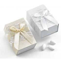 Μπομπονιέρα Γάμου Κουτάκι με Δανδέλα & Φιογκάκι
